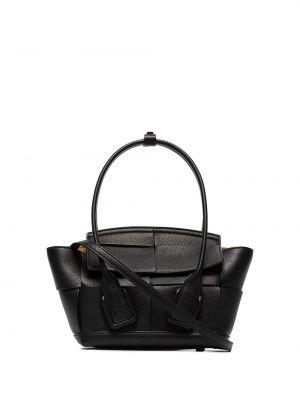 Кожаная черная плетеная маленькая сумка круглая Bottega Veneta