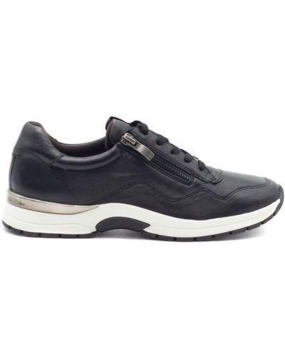 Кожаные кроссовки Caprice