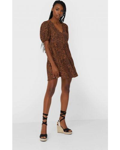 С рукавами платье мини из верблюжьей шерсти Stradivarius