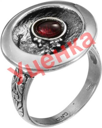 Серое кольцо с гранатом Den'o