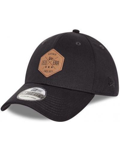 Czarna czapka z daszkiem bawełniana z haftem New Era