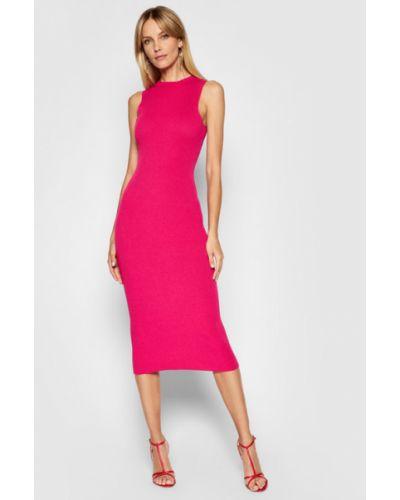 Różowa sukienka dzianinowa Kontatto