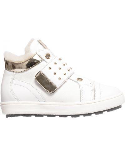 Кроссовки белые Naturino