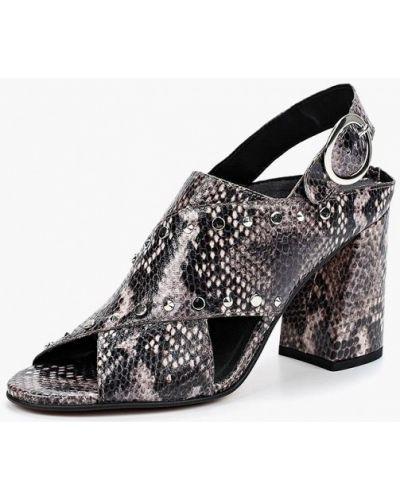 Босоножки на каблуке кожаные бежевые Topshop