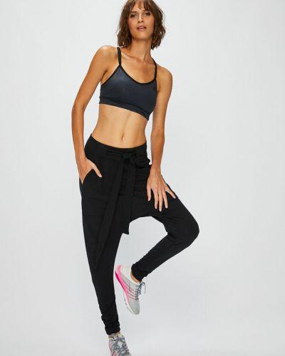 Спортивные брюки зауженные с карманами Reebok
