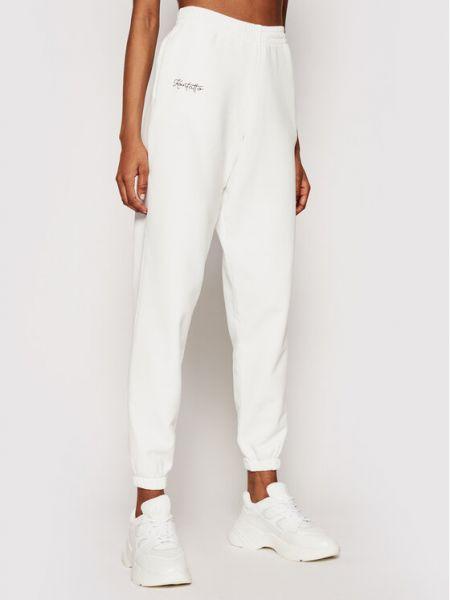 Białe spodnie dresowe Kontatto