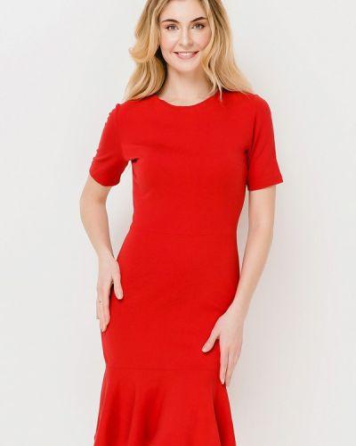 Платье весеннее красный Escena