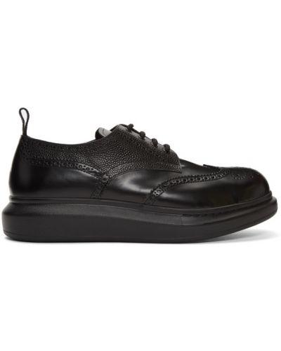 Черные броги на платформе на каблуке Alexander Mcqueen
