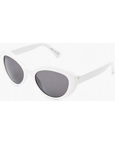 Белые солнцезащитные очки Aldo