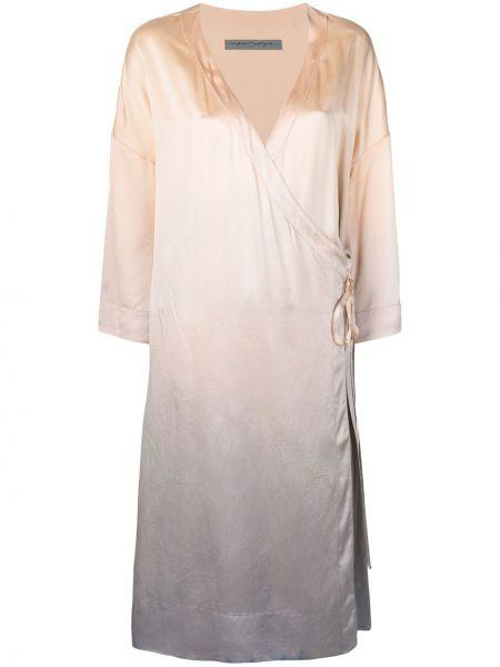 С рукавами шелковое платье с запахом Raquel Allegra