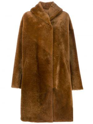 Коричневое длинное пальто с капюшоном из овчины Liska