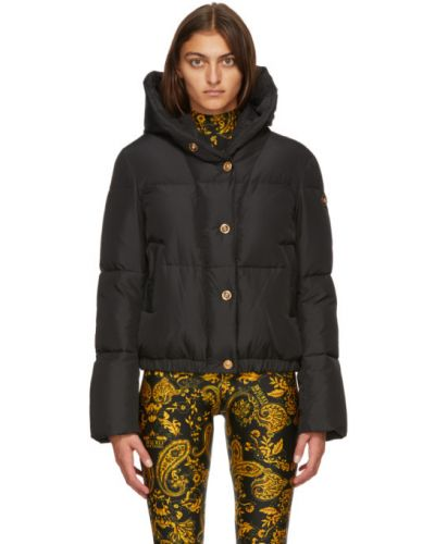 Пуховая черная длинная куртка с вышивкой с манжетами Versace