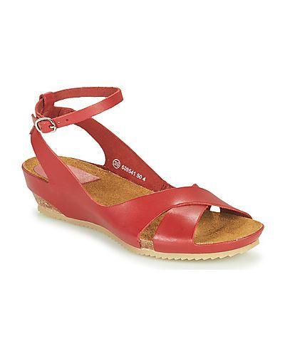Czerwone sandały Kickers
