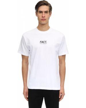 Prążkowany biały t-shirt krótki rękaw Fact.
