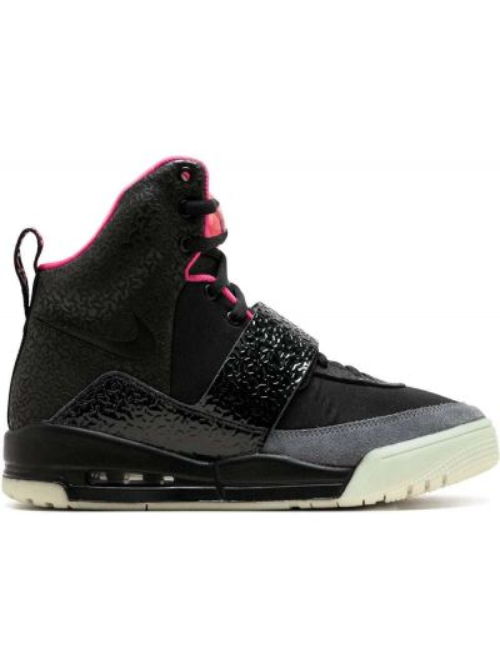 Черные высокие кроссовки на шнуровке с заплатками Nike