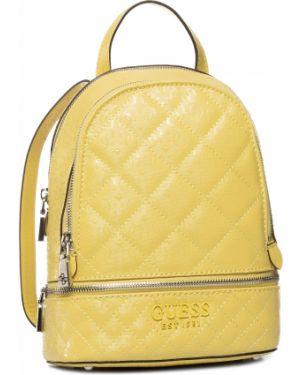 Żółty torba sportowa z niskim stanem Guess