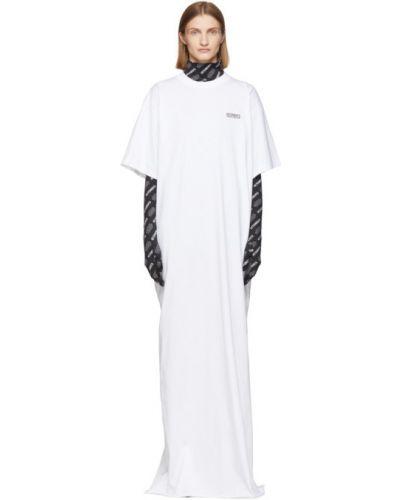 С рукавами трикотажное белое платье макси Vetements
