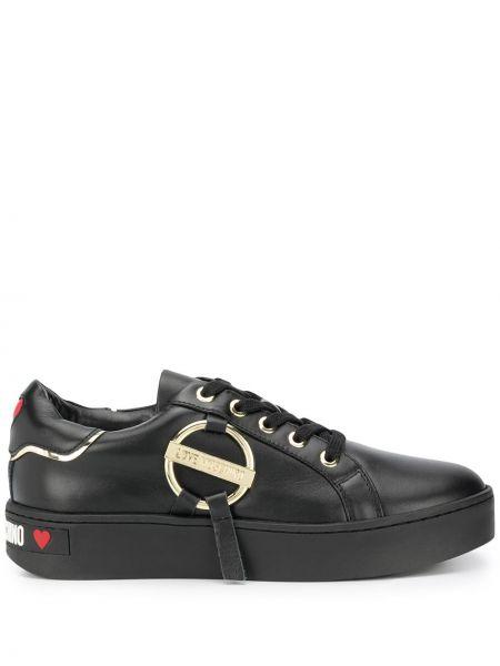 Ażurowy czarny włókienniczy skórzane sneakersy na sznurowadłach Love Moschino