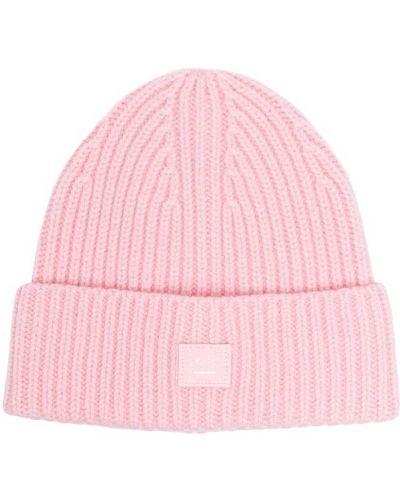 Шерстяная розовая шапка бини в рубчик с нашивками Acne Studios