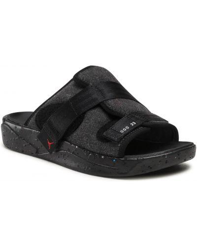 Czarne sandały na lato Nike