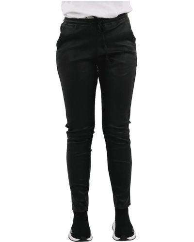 Czarne spodnie Goosecraft