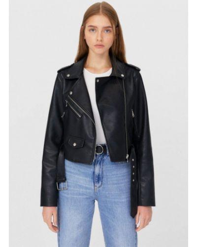 Черная кожаная куртка Stradivarius