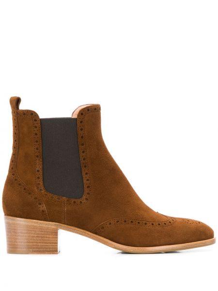 Коричневые ботинки на каблуке круглые Unützer