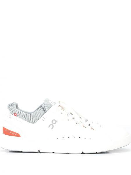 Кожаные кроссовки для бега - белые On Running