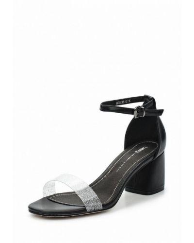 Черные босоножки на каблуке Betsy
