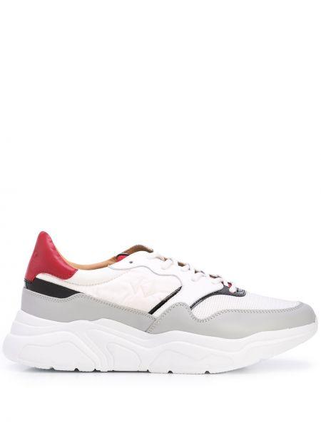 Белые нейлоновые кроссовки на платформе на шнуровке на каблуке Koio