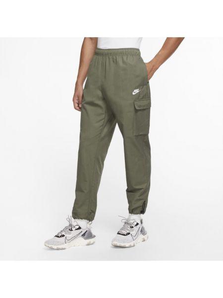 Włókienniczy spodni bojówki z kieszeniami z mankietami Nike