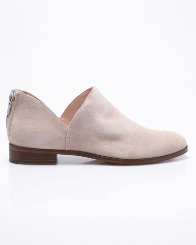 Бежевые туфли Gino Rossi