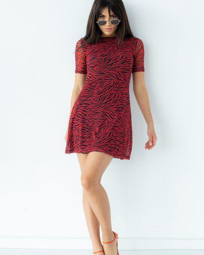 Повседневное красное платье мини Clew