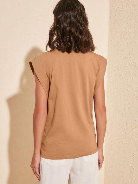 Коричневая трикотажная прямая футболка без рукавов Trendyol