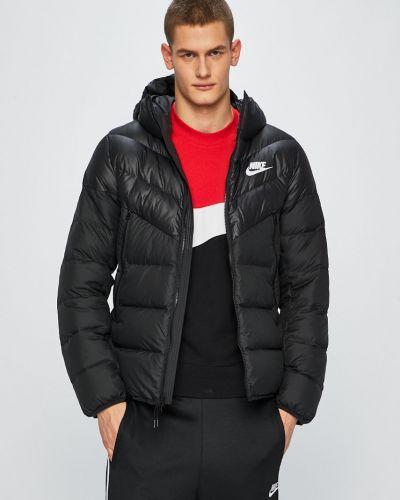 Стеганая куртка утепленная с капюшоном Nike