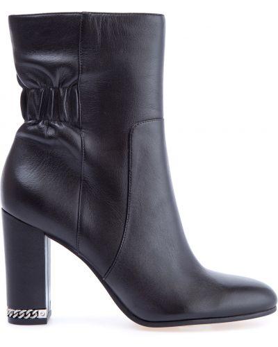 Полусапожки кожаные на каблуке Michael Michael Kors