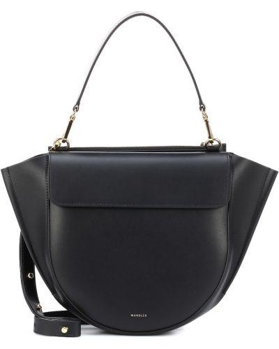 Черная кожаная сумка Wandler