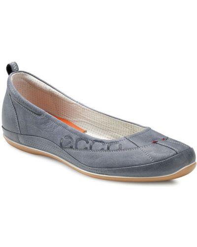 Балетки кожаные на каблуке Ecco