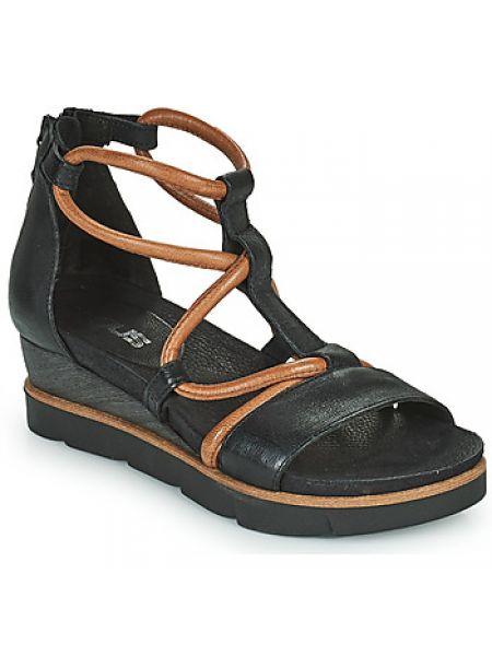 Czarne sandały Mjus