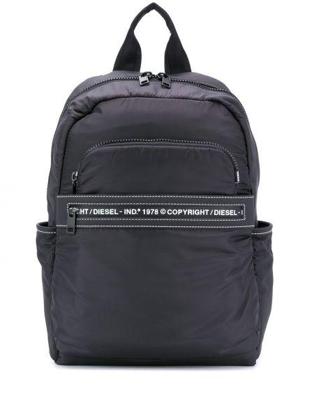 Czarny plecak z haftem Diesel