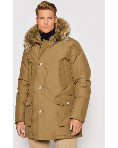 Brązowa kurtka zimowa Woolrich