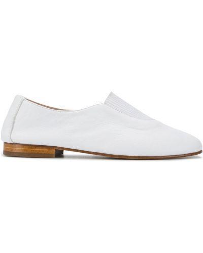 Белые кожаные лоферы без застежки Hereu