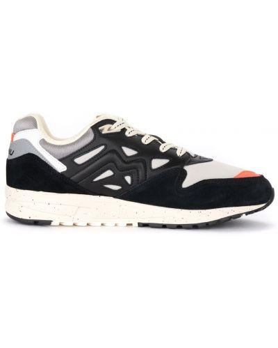 Czarne sneakersy skorzane Karhu