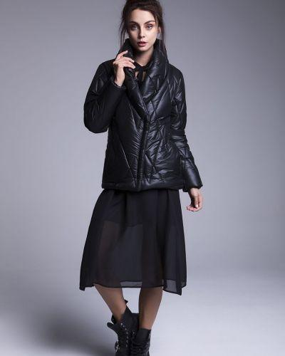 Утепленная куртка с карманами черная Naoko