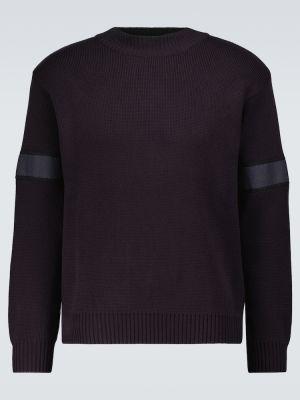 Prążkowany niebieski sweter bawełniany Gr10k