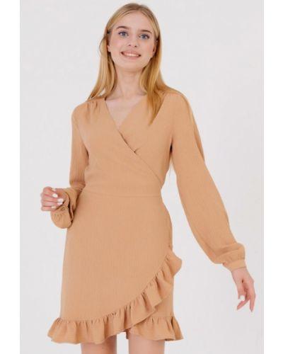 Бежевое платье с запахом Bessa