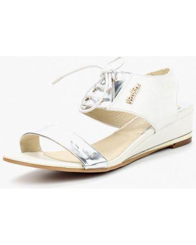 Белые кожаные сандалии Chezoliny