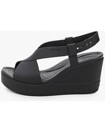 Черные босоножки Crocs
