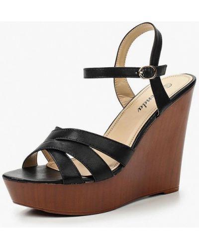 Черные босоножки на каблуке Renda
