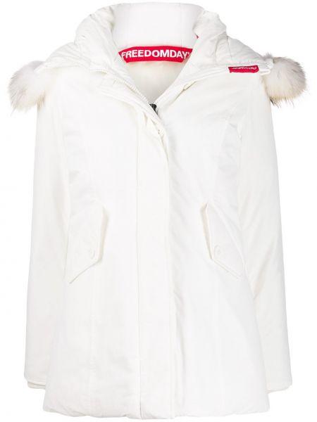 Белое пуховое длинное пальто с капюшоном Freedomday